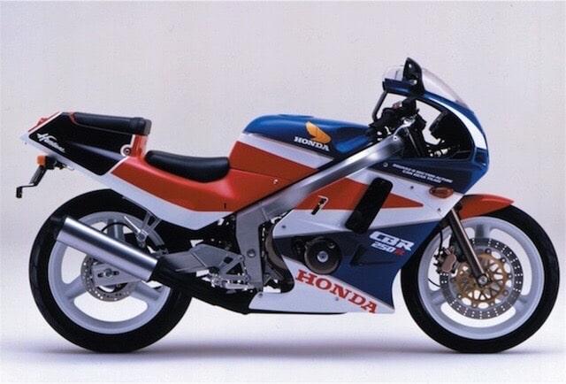 HONDA CBR250R mc19