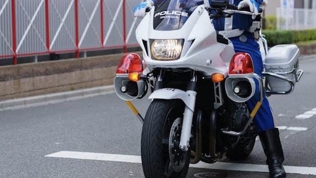 ヘルメットスピーカーは交通違反になる?